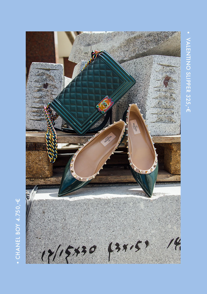 Accessoires De Luxe: Chanel & Valentino
